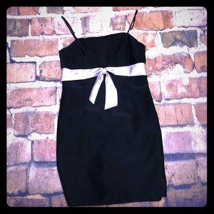 Beautiful De Laru Brand Black BowDetail Midi Dress